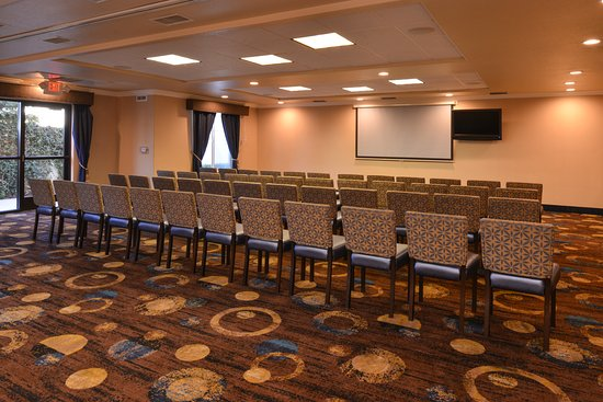 Holiday Inn Express Hotel & Suites: Meeting room