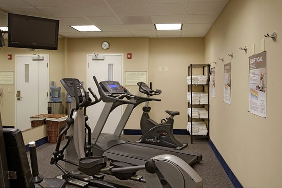 Holiday Inn Express Hotel & Suites: Health club