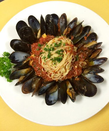 Mussels and Spaghetti