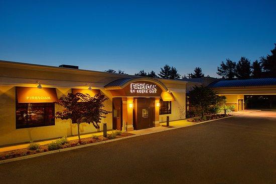 Courtyard Montvale: Restaurant