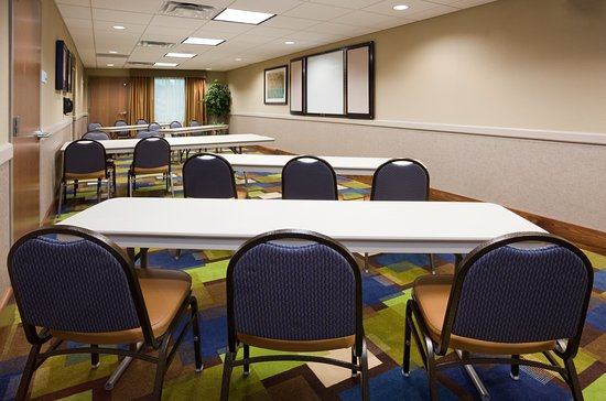 Holiday Inn Express Hotel & Suites Mankato East: Meeting room