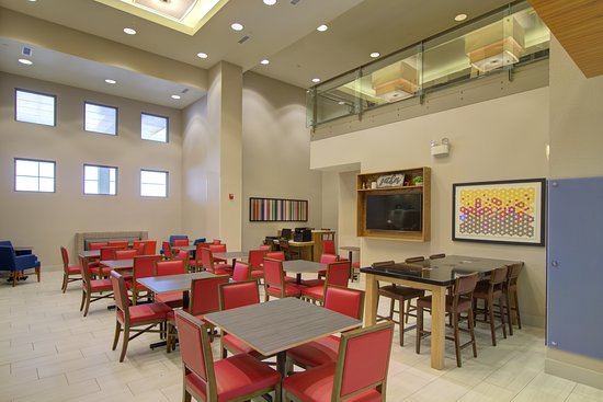 Holiday Inn Express Hotel & Suites Mankato East: Restaurant