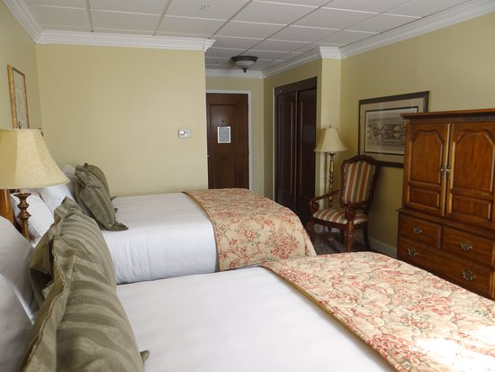 The Blennerhassett Hotel: Guest room