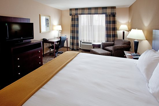 Holiday Inn Express Hotel & Suites Lavonia: Guest room