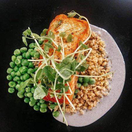 Skuna Bay Salmon spring onion butter |  toasted freekah | english peas
