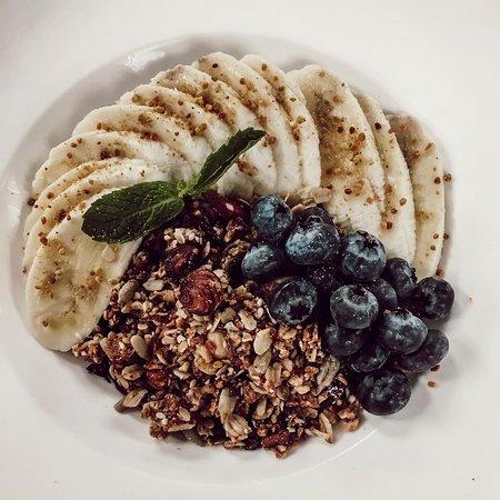Park Street Kitchen: Acai Bowl berries   banana   granola