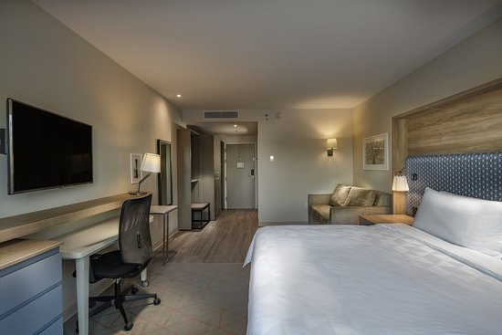 Holiday Inn & Suites Aguascalientes: Guest room