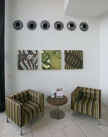 Holiday Inn Reading M4 Jct 10: Lobby