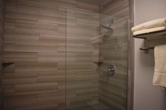 Daleville, Αλαμπάμα: Bathroom in guest room