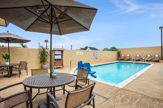 Holiday Inn Express Costa Mesa: Pool