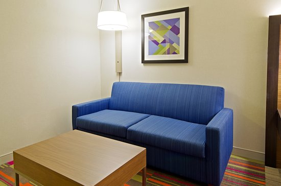 Holiday Inn Express and Suites Phoenix North - Scottsdale: Guest room amenity