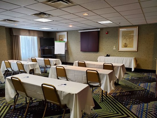 Holiday Inn Express & Suites Columbus Airport: Meeting room