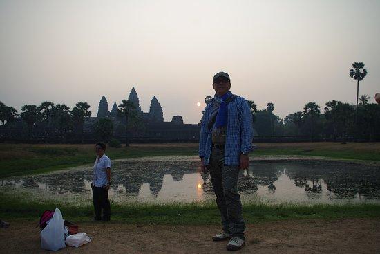 Angkor Friendly Riders: Sunrise à Angkor Wat en solitaire