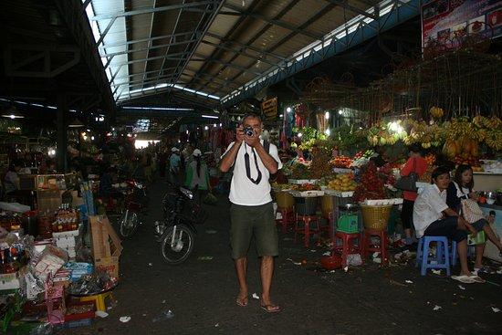 Angkor Friendly Riders: Visiter les villages, les marchés du Cambodge (Marché de Sihanoukville)