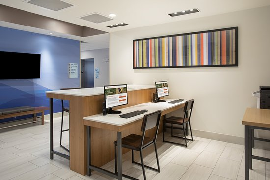 Holiday Inn Express & Suites Dakota Dunes - Event Center: Property amenity