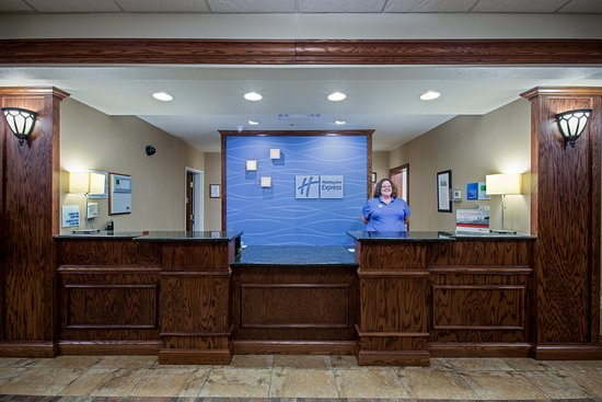 Holiday Inn Express Hotel & Suites Lewisburg: Lobby