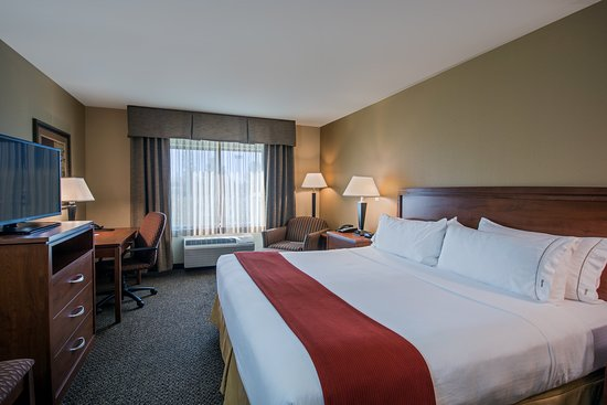 ‪‪Holiday Inn Express Hotel & Suites Lewisburg‬: Guest room‬