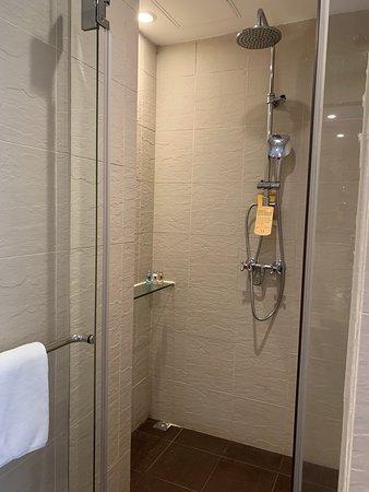 Butterfly on Wellington - shower