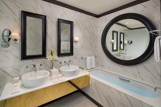 Millennium Atria Business Bay: Bathroom of Studio