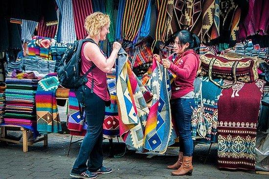 Mercado de Otavalo Turismo privado y...