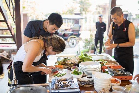 Khmer matlagningsklass på ett lokals ...