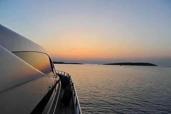 Passeio ao pôr do sol com a Alfa Marine...