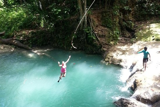 Falmouth Tour: Blue Hole en Dunns River ...