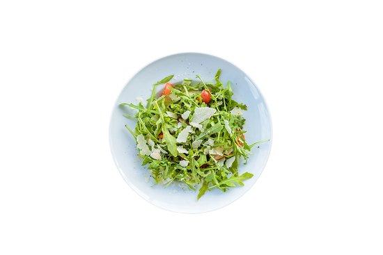 cut & crust: #Reggiano pomodorini, rucola, reggiano 24 mesi, olio extravergine di oliva