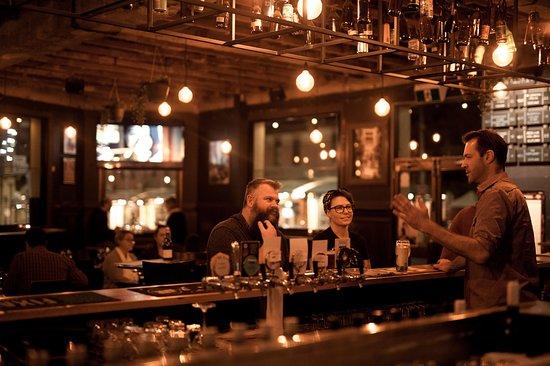 Bar & Restaurant - Central Club Hotel