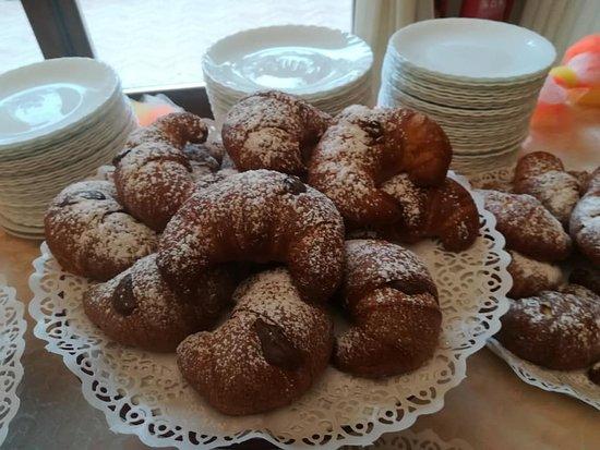 Borgo Don Chisciotte: il famoso cornetto con nutella