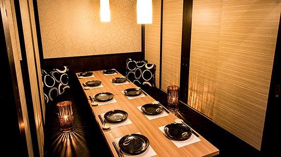 地鶏創作肉バル料理、コース料理を2000円~多く取り揃えています!