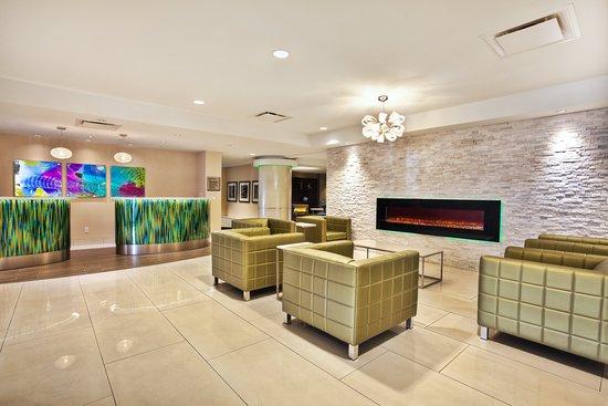 Crowne Plaza Kitchener-Waterloo: Lobby