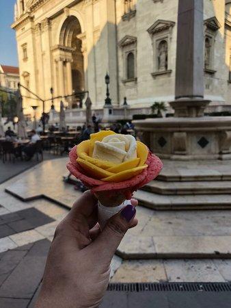 Gelarto Rosa: The vanilla, mango and strawberry gelato.
