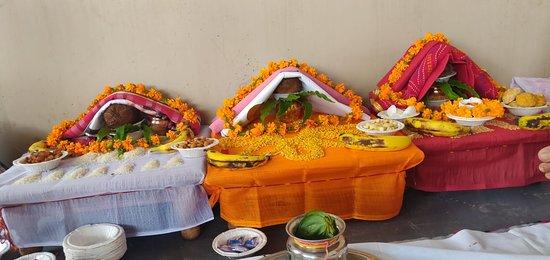 Mahendra Travel: Book train in India Agra Varanasi Varanasi Agra
