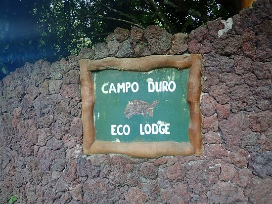 ‪‪Galapagos Campo Duro Ecolodge‬: Sign from the main road‬