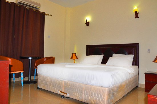 Accommodation Room Queen Sized can take minimum of 1 Adult & Maximum of 2 adults in one room