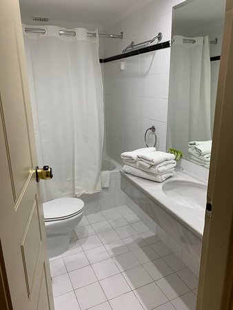 Acropolis Select Hotel: Bathroom