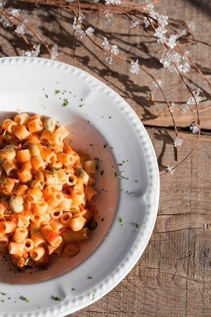 la favò, classica ricetta valdostana a base di fave, pasta e fontina. davvero squisita