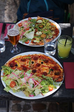 Lunch special - pizza and salad