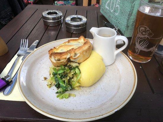 Vegan Pie with mashed potato and gravy.