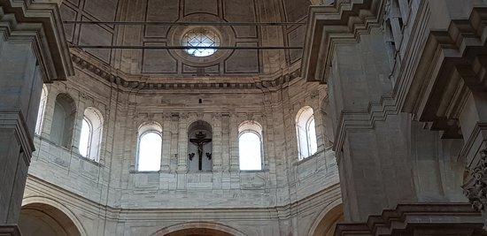 Duomo Di Pavia: IN ALTO