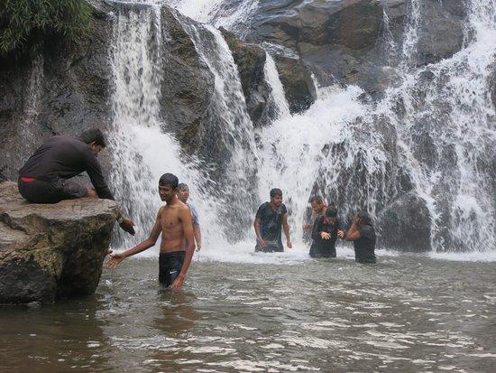 Trek to Kotagiri, Ooty: catherine falls lower part
