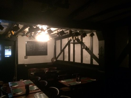 The Red Lion Pub: The dining room beyond the bar