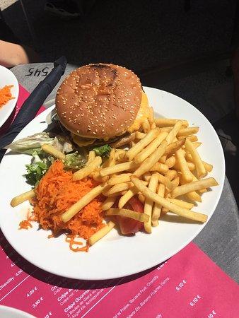 Ruff's Burger Photo
