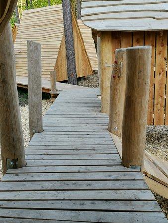 Altenkunstadt, Allemagne : Und dreckige Füße gibt es dank Wege zu den Hütten nicht