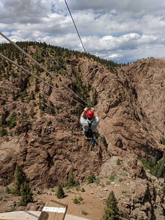 Fins Course Scenic Zipline Tour: Starting out over the canyon!