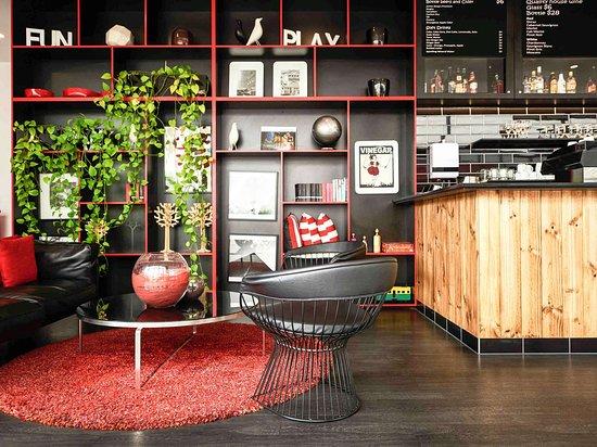 Ibis Melbourne Swanston Street Hotel: Bar Lounge