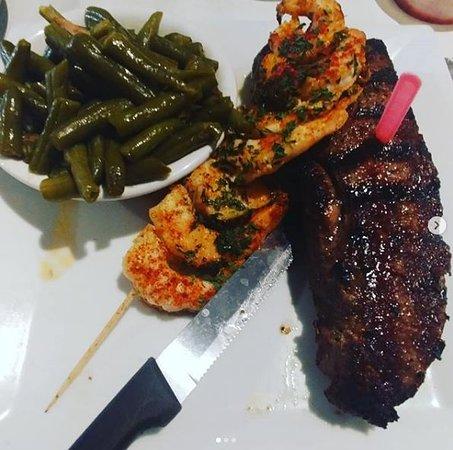 Love's Seafood Restaurant: steak