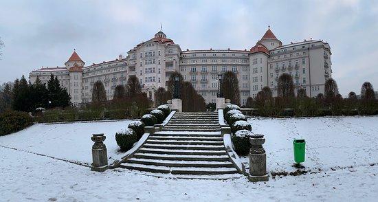 TOP-Lage mit Blick über Karlsbad