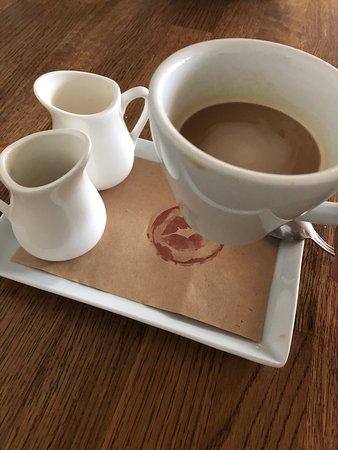 Итальянский завтрак и чашечка ароматного кофе 🙂